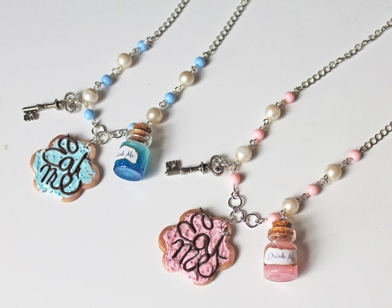 Eat Me Drink Me Alice In Wonderland ketting