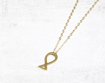 Gold necklace, fish necklace, fish necklace, animal necklace, dainty necklace, gold filled necklace, gift for her.