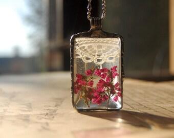 Terrarium necklace, heather necklace, window necklace, lace necklace, terrarium jewelry, plant jewelry, botanical jewelry, pressed flower