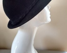 Vintage Ladies Black Wool Felt Hat with Bow Detail and Two Gold Studs