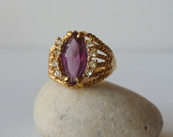 Vintage Amethyst Ring 18k Gold Filled Faux Amethyst Ring Vintage Statement 18k Ring, Coctail Ring, Retro Size 9, Dainty Amethyst Ring