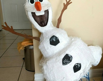 HUGE!! 3D Olaf Piñata