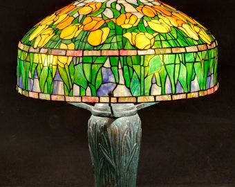 Tiffany Tulip lamp