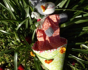 little donkey (cone puppet)