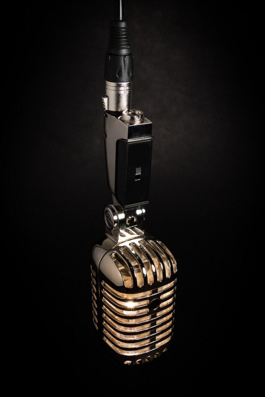 Hangende retro microfoon lamp van microphonemania op etsy