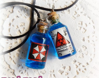 Virus Necklace, Glass Vial Necklace, Bottle Necklace, Zombie Virus Potion, Zombie Jewelry, Zombie Virus Vial, Potion Bottle Charm, Zombie
