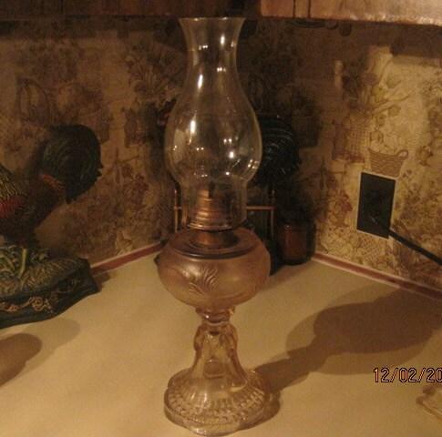 Vintage Kerosene Oil Lantern Lamp White Flame Light
