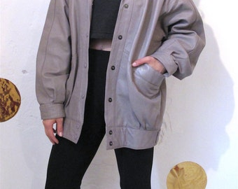 SALE! 80's S M Small Medium Vintage Lavender Grey leather jacket with snaps