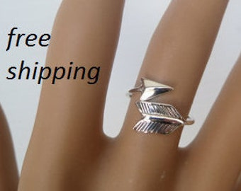 Sterling silver ring; 92.5, adjustible, arrow ring