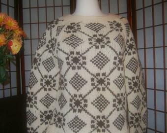 Women's Sweater - Long Sleeves - Beige and Dark Brown