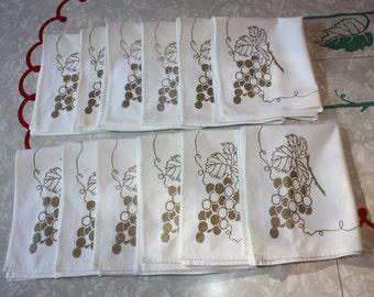 Vintage Gold Grapes Printed Napkins: 12-Piece Set