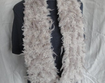 womans winter scarf, hand knit neckwarmer, shaggy wool tippet, cream tufted scarf, wool knit neckwarmer, italian wool tippet, beige scarf