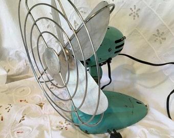 Aqua Mcgraw-Edison Eskimo desk or table oscillating fan