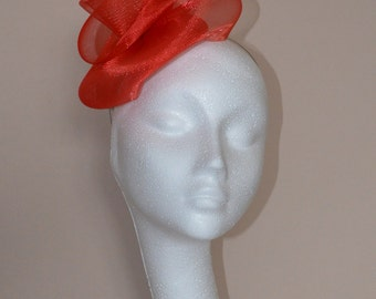 Red feather fascinator. Red wedding fascinator. Red Ascot fascinator. Derby fascinator. Ladies day hat.