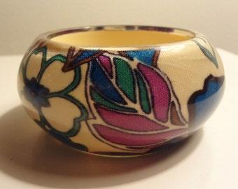 Lucite bracelet - chunky - fabric - bold floral design