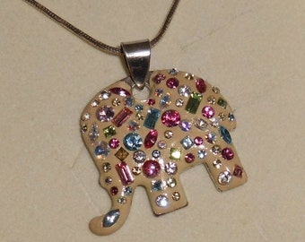 Necklace pendant elephant with colorful crystals AH190