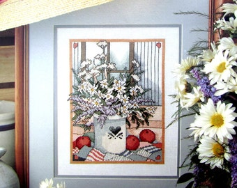 "Cross Stitch Book, By Leisure Arts, Leaflet 970. ""Country Bouquet"" ( 1990) A Vintage  Pattern of a Vase of White Flowers.  //On SPECIAL!!"