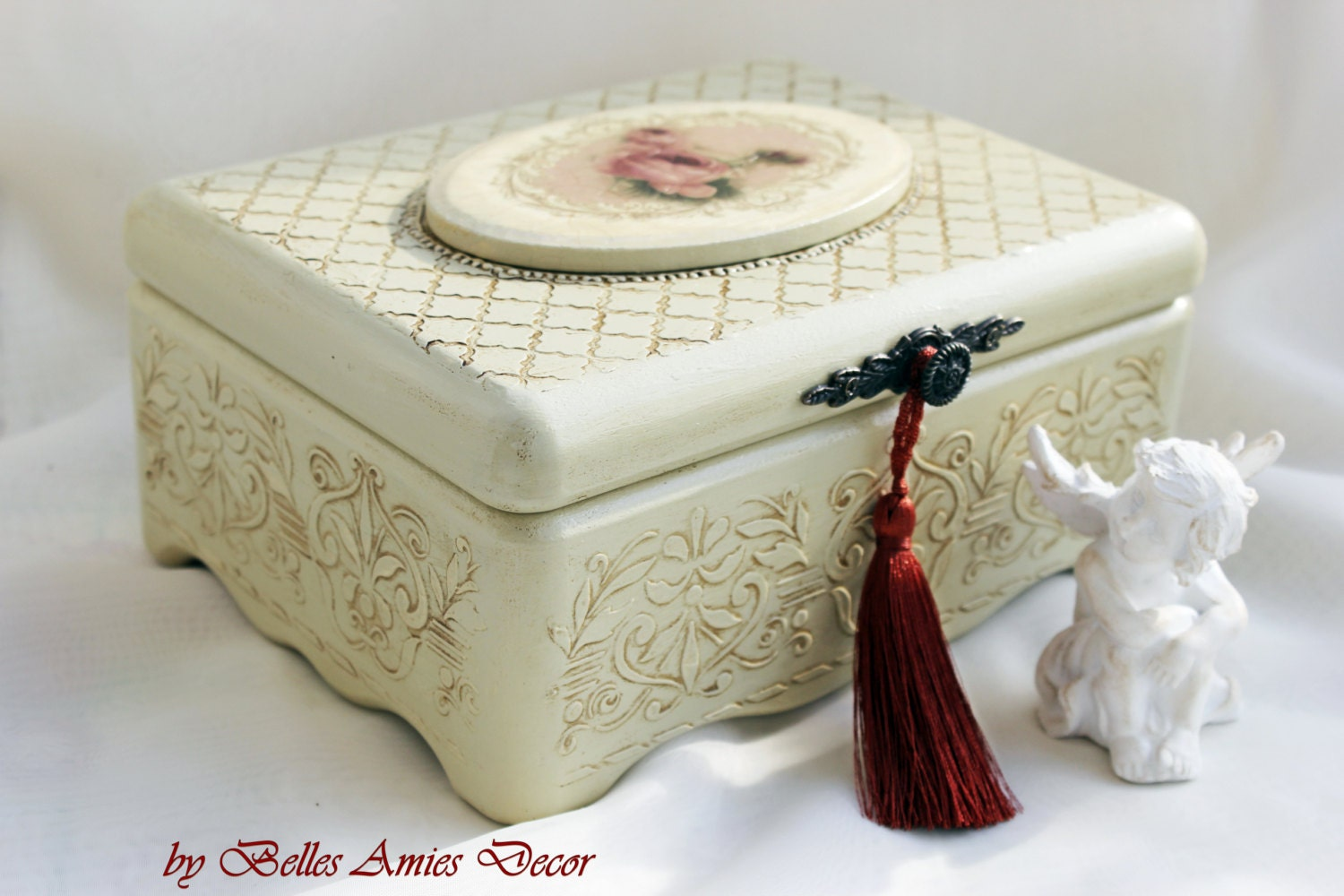 jewelry box red roses jewellery keepsake shabby chic box. Black Bedroom Furniture Sets. Home Design Ideas