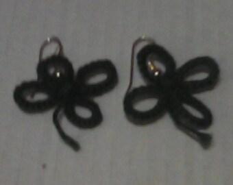 Tatted 4-leaf clover earrings.