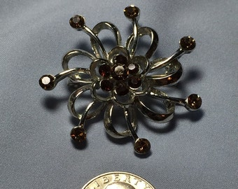 Great silvertone brooch with Rhinestones