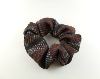 Scrunchie - vintage style - white navy, brown and light grey