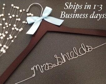 wedding hangers, bride hangers, bridal gift, custom hanger, hanger, bridesmaids gift, weddings