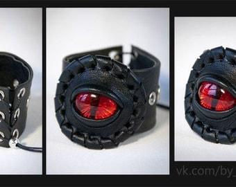 black leather bracelet with red eye. Dragon eye. Fantasy bracelet. Red eye. Eye jewelry