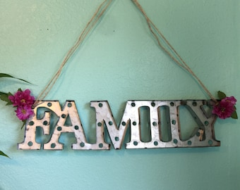 FAMILY Metal Marquee