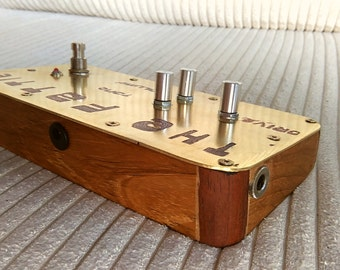 Handmade guitar pedal - The Fattie - boutique germanium overdrive / distortion / fuzz. Solid brass, exotic wood enclosure
