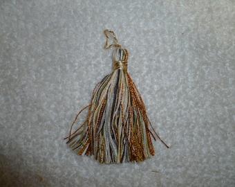 T101  Tassel  Per 16