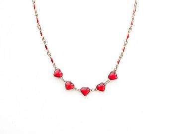 Valentinstag rotes Herz Halskette, Vintage Heart Halskette, zierliche Herz Anhänger, Multi-Herz Halskette, romantisches Geschenk, zierliche Herz Halskette