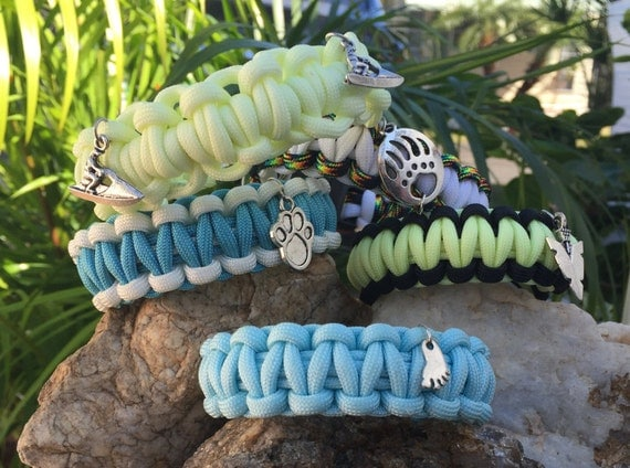 Glow In The Dark Bracelet, glow in the dark paracord, comes in 3 pastel colors in blue, yellow, white
