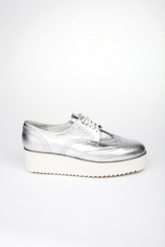 Silver Womens Oxfords Sale: Save Up to 40% Off! Shop warmongeri.ga's huge selection of Silver Oxfords for Women - Over 25 styles available. FREE Shipping & Exchanges, and a % price guarantee!