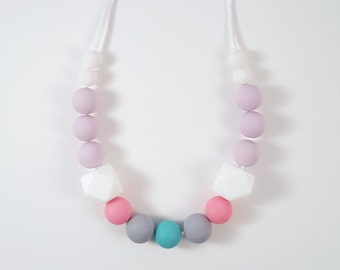 Pía Silicone Teething Necklace