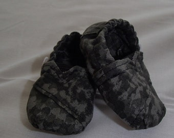 Soft Soled Shoes, Camo, Grey