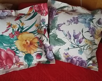 Pillow floral design