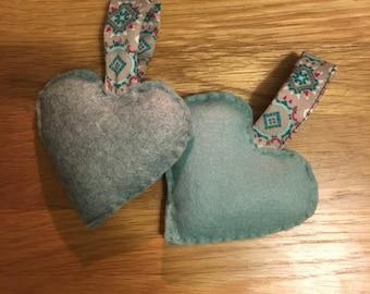 Mini Hanging Hearts