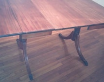 SHIPPING INCLUDED!!  Duncan Phyfe Style Drop Leaf Dining Table with Two Leaves