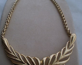 Trifari Vintage Choker Style Necklace