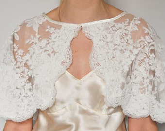 Stunning corded floral lace capelet