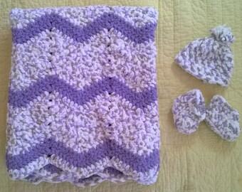 Plush Baby Zigzag Blanket, Hat, Boots Set