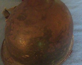 Army Helmet/World War 2/Military/Combat/Vintage