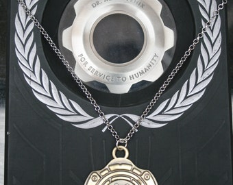 Summer Sale! - Gears of War 4 inspired necklace with a silver link chain