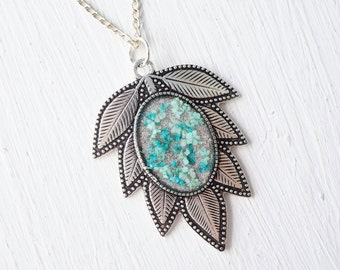 Real Pressed Flower and Resin Leaf Necklace