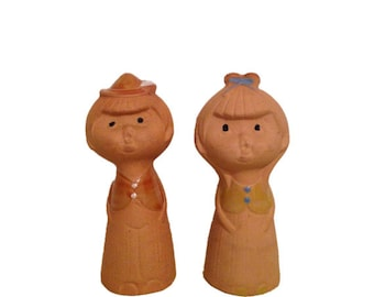Vintage Salt And Pepper Shakers Tera Cotta Boy And Girl Pair Salt & Pepper Shakers Retro Pottery Kitchen Decor Vintage Kitchen