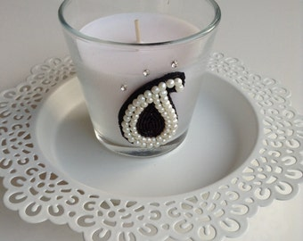 Paisley design candle