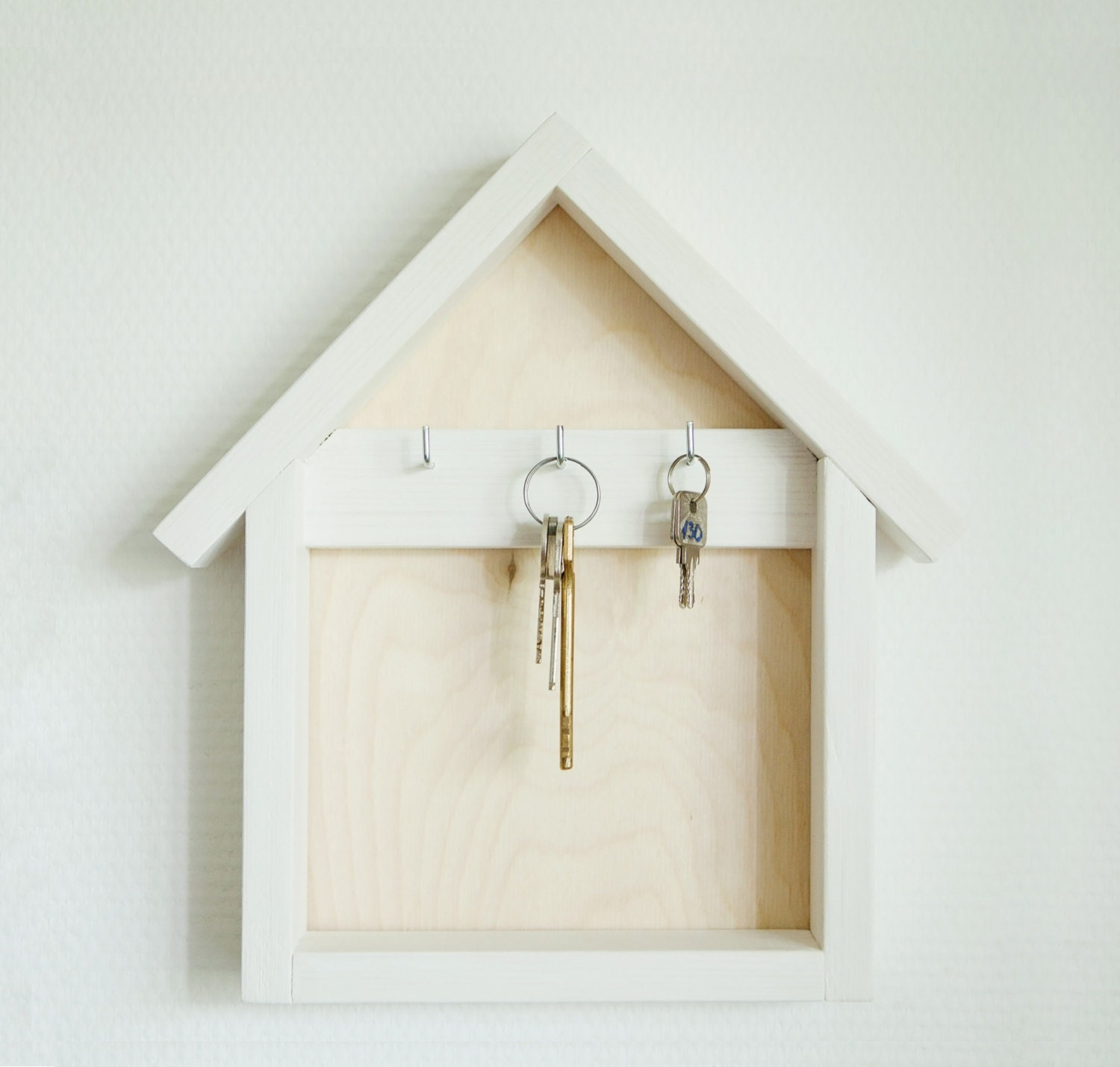Wooden key holder wood key organizer house shaped key for Mural key holder