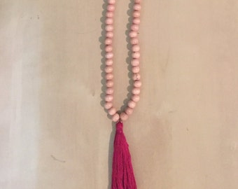 Beaded Tassel Necklace (Magenta)