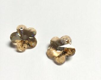 Swarovski Crystal Flower Pendant 17 MM Golden Shadow - 4 Pieces - CB031
