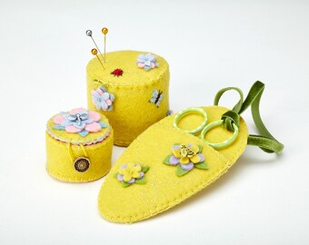 Pin-cushion, tape-measure holder and scissors holder in Chartreuse felt